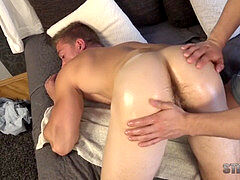 Alan Pekny - warm MUSCLE backside Dildo play