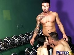 PETERFEVER Hunk Travis Yukarin Fucks Asian Holes At The Gym